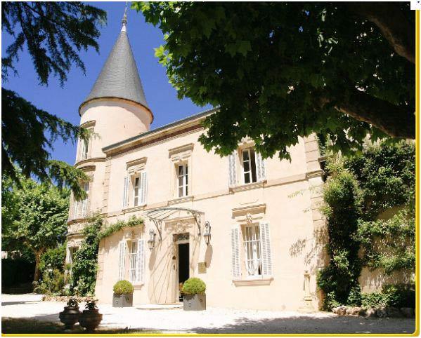 hotel et chateau a vendre